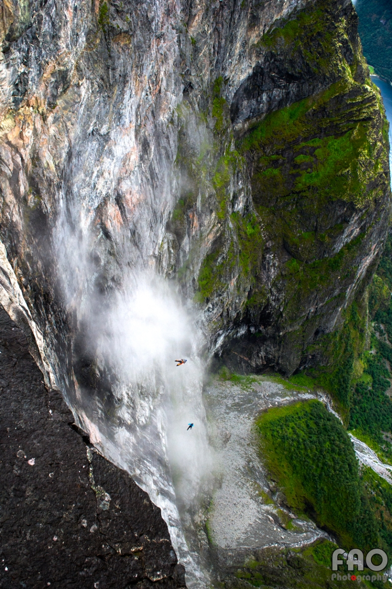 Basejumpers Eikesdalen